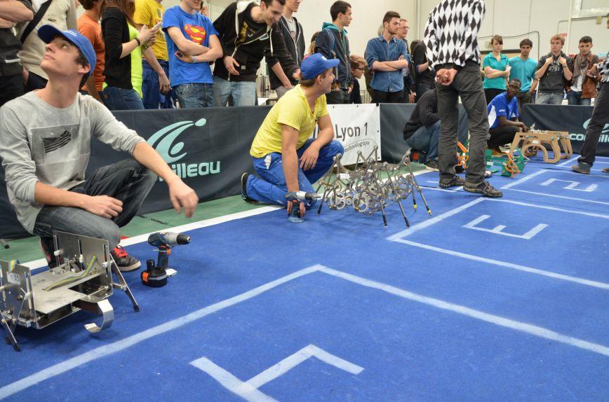 concours robots marcheurs défi travail en équipe conception fabrication DUT GMP
