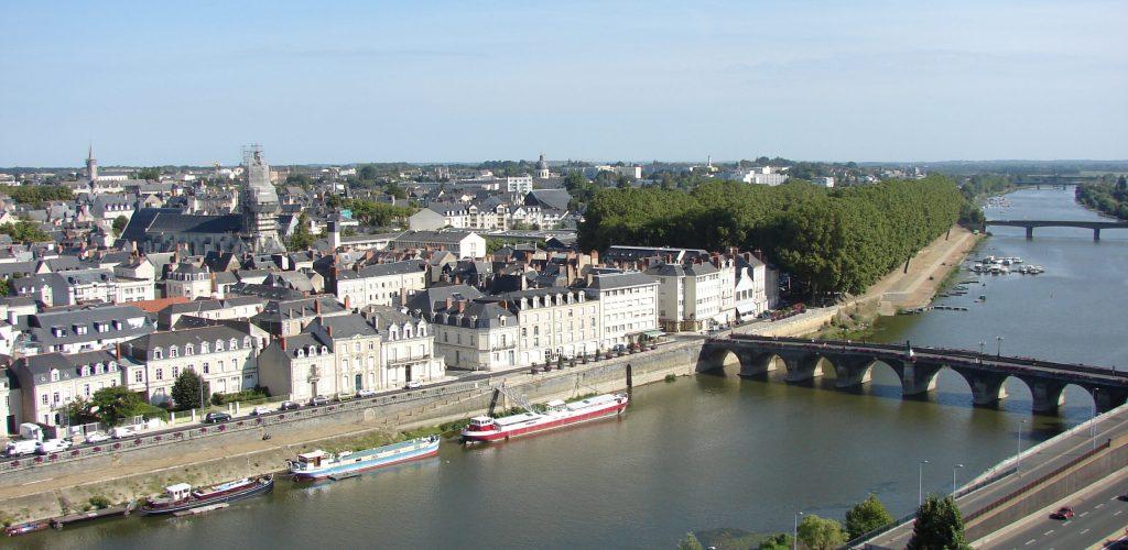 Angers,_La_Maine,_Pays_de_la_Loire,_France_-_panoramio